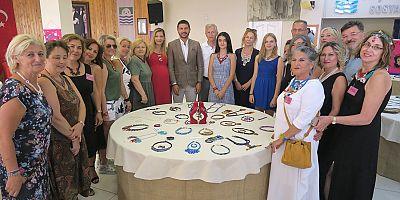 Foça El Emeği Takı Grubu 10'uncu sergisini açtı… FOÇA TAŞLARI, TAKIYA DÖNÜŞTÜ