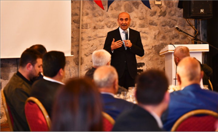 Tunç Soyer, 45. İzmir Ayakkabı ve Çanta Fuarı öncesi sektör temsilcileri ile bir araya geldi